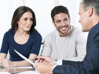 When do I need to find a franchise lawyer?